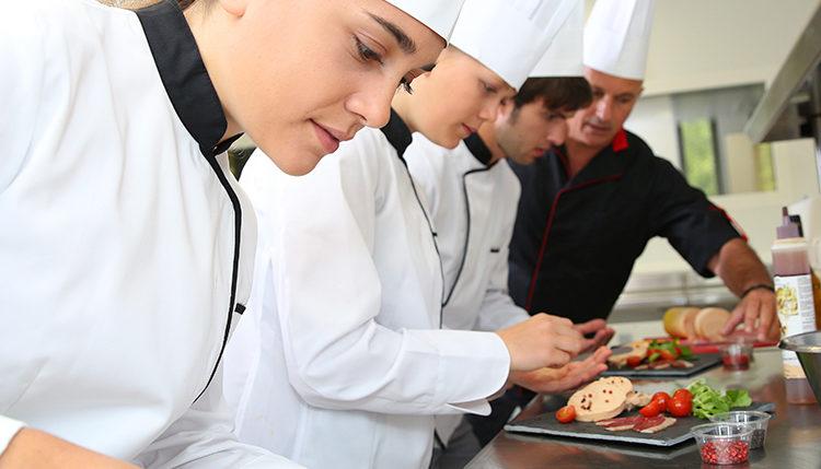 UNINASSAU conta com nova especialização em Gestão de Restaurantes