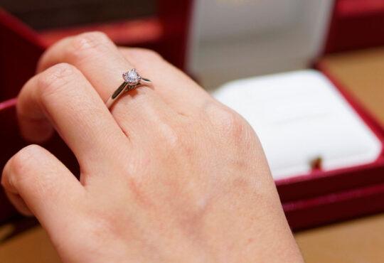Diamantes de cinzas são uma homenagem pós-cremação